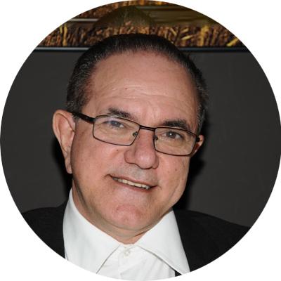 DR. ESTEBAN GONZÁLEZ